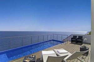 "Ferienhaus ""The View Factory"", direkt am Meer bei Salema, Algarve."