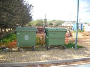 Mülltonnen in Figueira